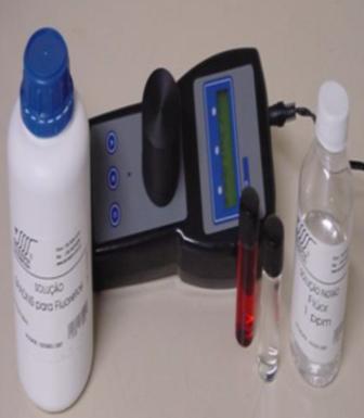 Fluorímetro Digital Microprocessado (SPADNS) . FA-400