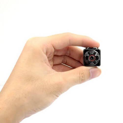 Pequena Câmera de Segurança com Visão Noturna e Sensor de Presença