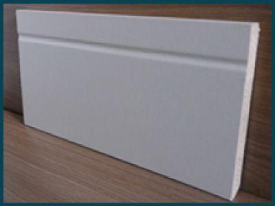 Rodapé Branco 15cm de altura Frisado