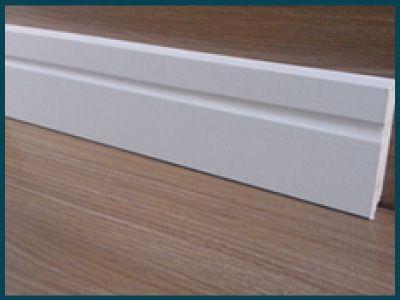 Rodapé Branco 7cm de altura Frisado