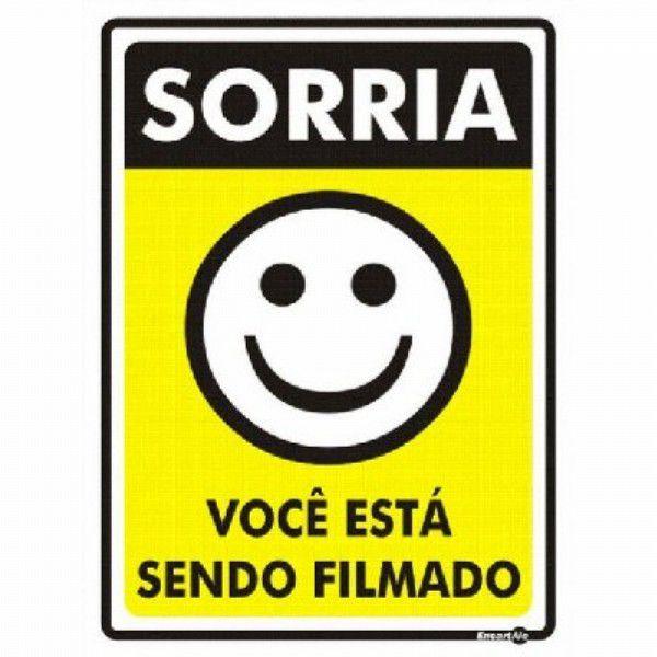 Placa PVC Sorria Você está Sendo Filmado 150 x 200 x 0,80mm