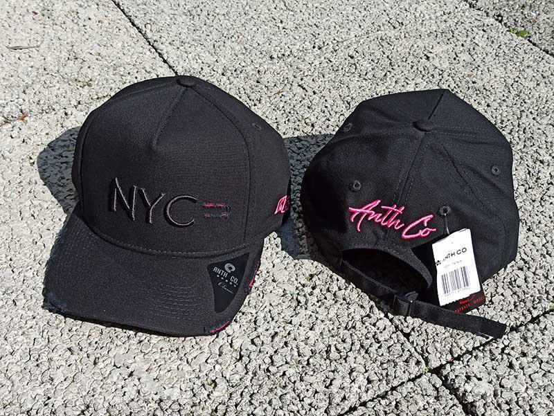 Boné NYC Destroyed Preto com Rosa