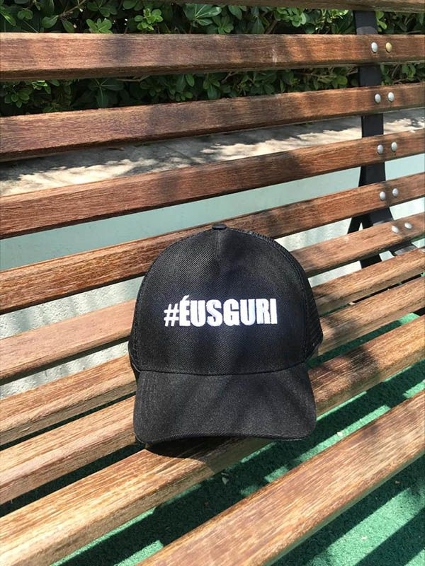 Boné trucker personalizado - #ÉUSGURI