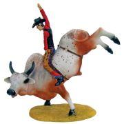 Estátua Peão de Rodeio com Boi Grande.