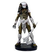 Boneco principal do Filme o Predador com machado