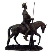 Dom Quixote de la mancha no Cavalo cor ouro.