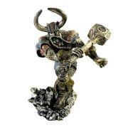 Escultura Thor deus do trovão mitologia nórdica decorativa.