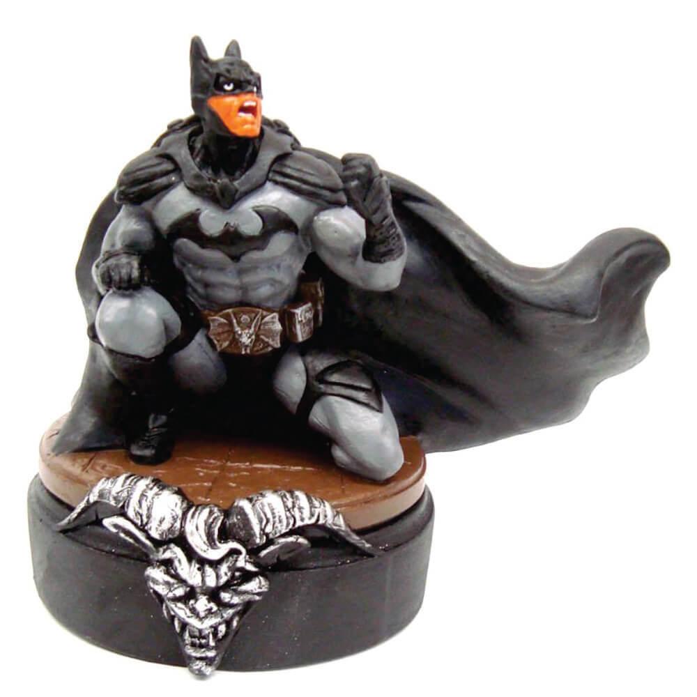 Batman agachado na base Boneco resina Estátua decoração