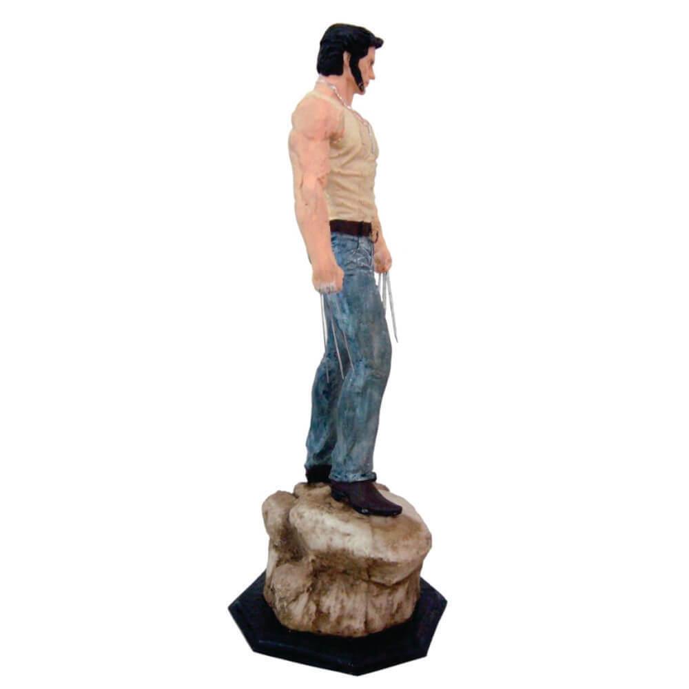 Boneco Wolverine em pé