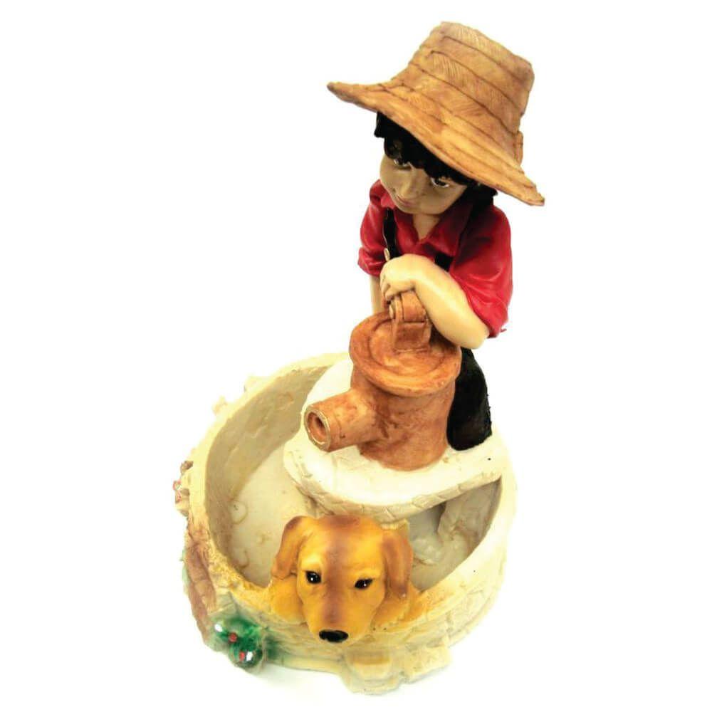 Fonte de água menino e cachorro grande decoração.