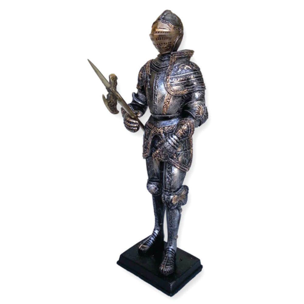Soldado medieval com alabarda em metal Guerreiro.