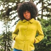 Casaco Curto Feminino Forrado de Lã Batida Verde