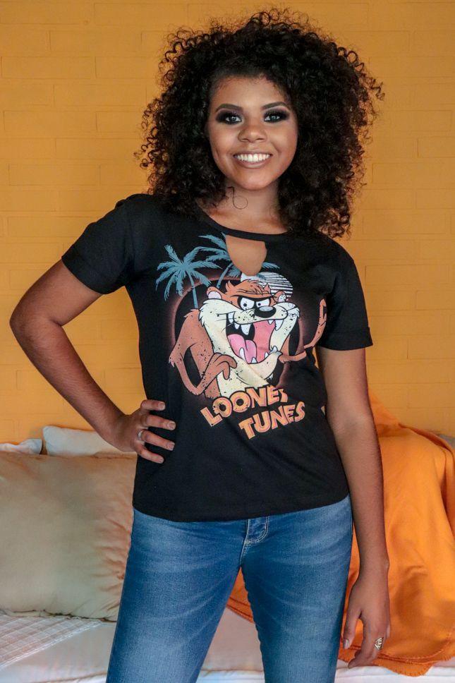 Camiseta Decote Chocker Looney Tunes Preta