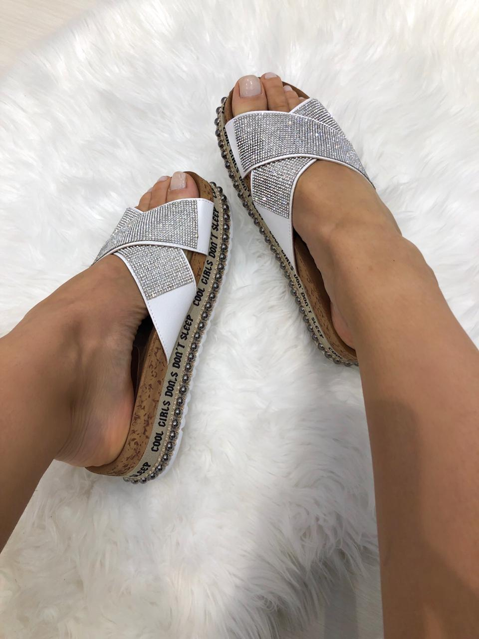 4a695c9914 Tamanco ShineSandáliasAmandine Shoes