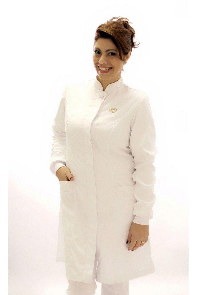 Jaleco branco com gola de padre e renda - Modelo Esmeralda