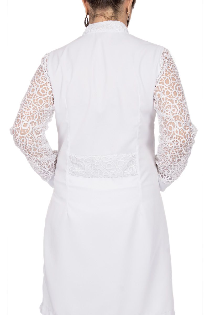 Jaleco branco com gola de padre e renda - Modelo Juli
