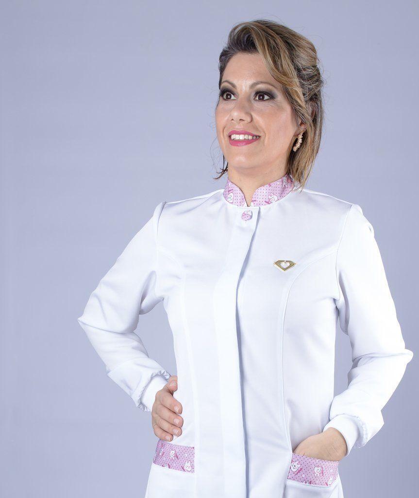 Jaleco branco com gola de padre - Modelo Quartzo Escova Rosa