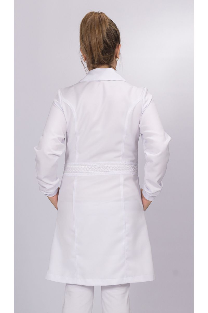 Jaleco branco com gola tradicional e renda - Modelo Glamour