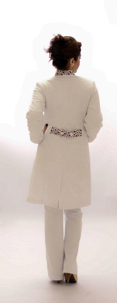 Jaleco feminino com gola de padre - Modelo Ágata Oncinha