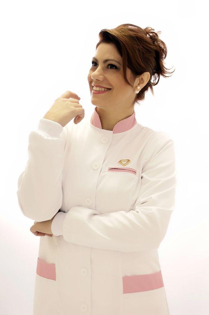 Jaleco feminino com gola de padre - Modelo Ágata Poá Rosa