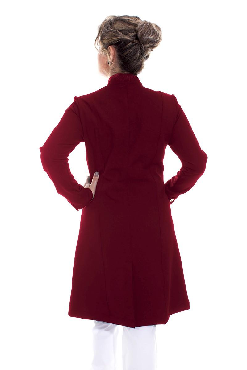 Jaleco feminino com gola de padre - Modelo Dhara Bordô