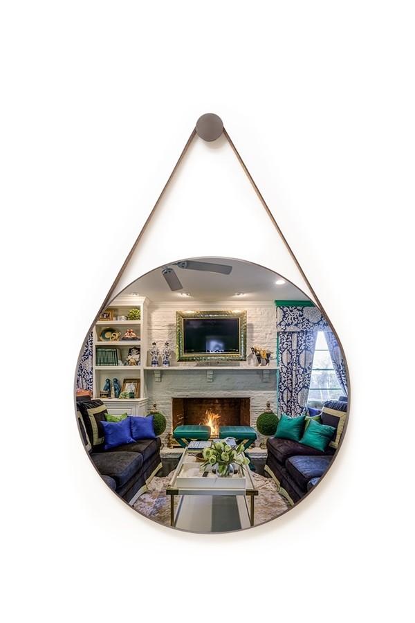 Espelho Decorativo Redondo 72cm Adnet com Alça Café - Sheep Estofados