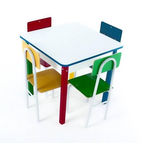 Mesa Com 4 Cadeiras De Ferro  - Alegria Brinquedos