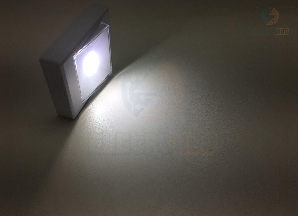 Luminária 3W Magnetica Auto-Adesiva 4XAAA