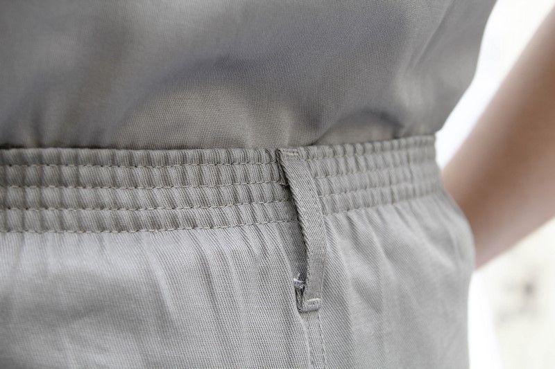 Calça de Brim Cinza Cós Meio Elástico
