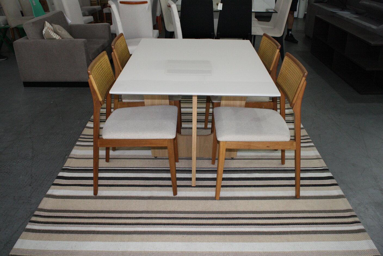Mesa de Jantar Espanha Com 4 Cadeiras Ryva