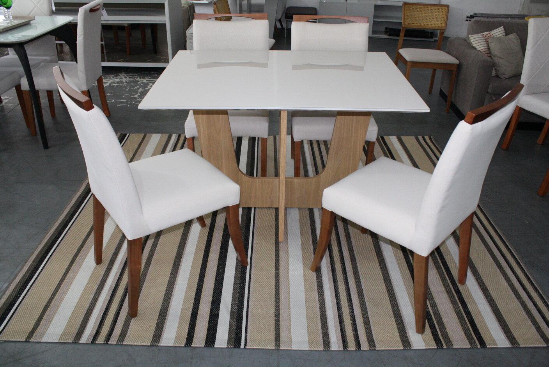 Conjunto Mesa de Jantar Madri 120x90 com 4 Cadeiras Lara.