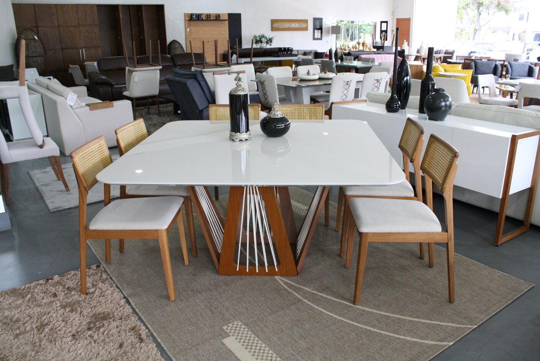 Conjunto Mesa de Jantar Quadrada Califórnia com 8 Cadeiras Ryva