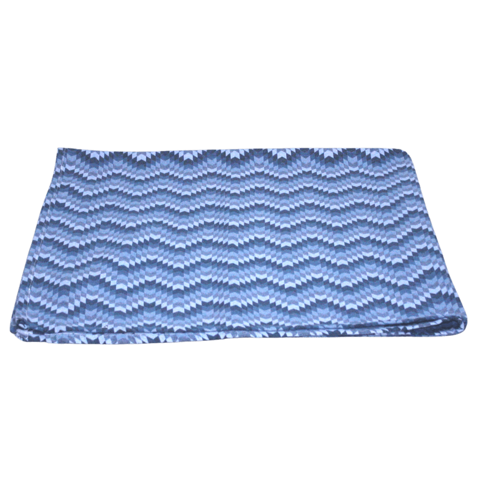 Manta Para Sofá Jacquard Azul com Detalhes Brancos