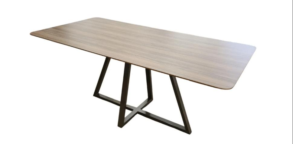 Mesa de Jantar 6 Lugares Eunice 160 x 90 cm  - Formato Móveis e Decorações