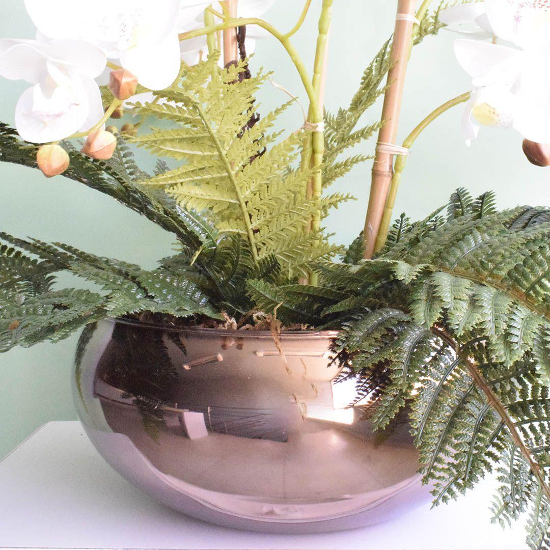 Arranjo Artificial com Seis Hastes de Orquídeas Branca 3D no Vaso Bronze