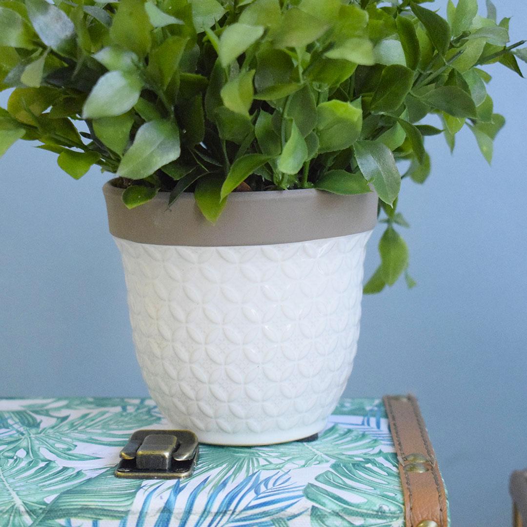 Arranjo Artificial de Folha de Laranjeira no Vaso de Cerâmica Branco P | Formosinha