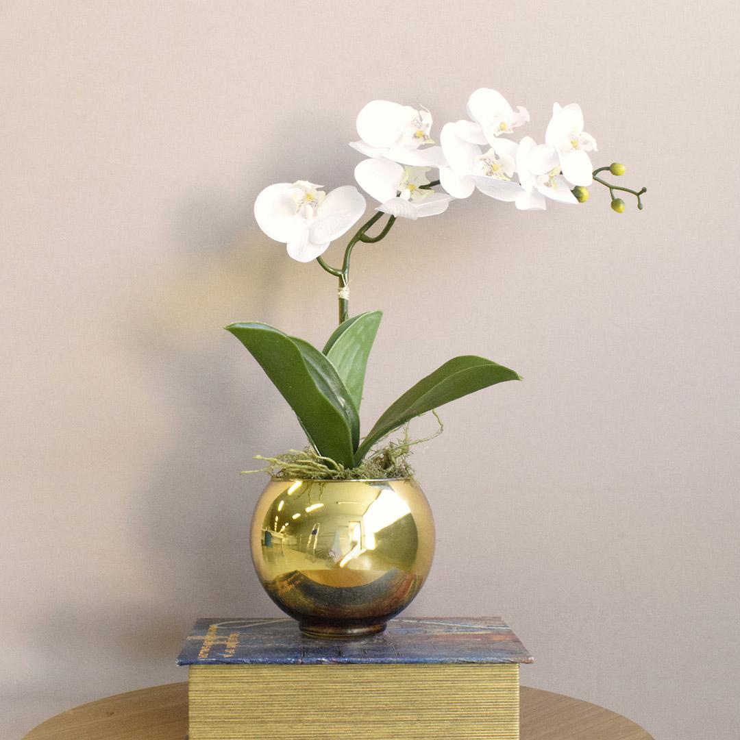 Arranjo Artificial de Orquídea de Silicone Branca no Vaso Dourado Pequeno