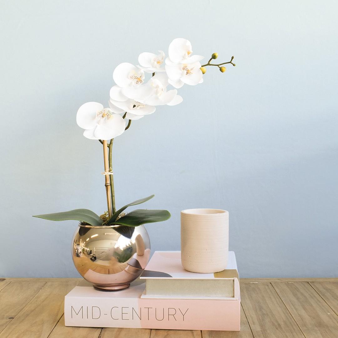 Arranjo Flor Artificial Orquídea Branca de Silicone no Vaso Rose Gold Pequeno