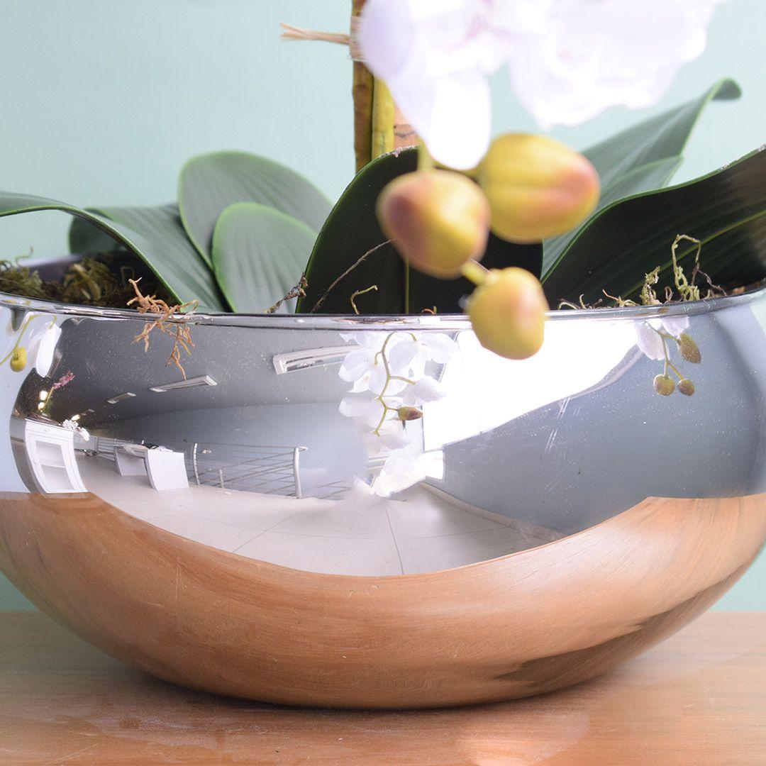 Arranjo com Três Hastes de Orquídeas Brancas no Vaso Prateado | Linha permanente Formosinha