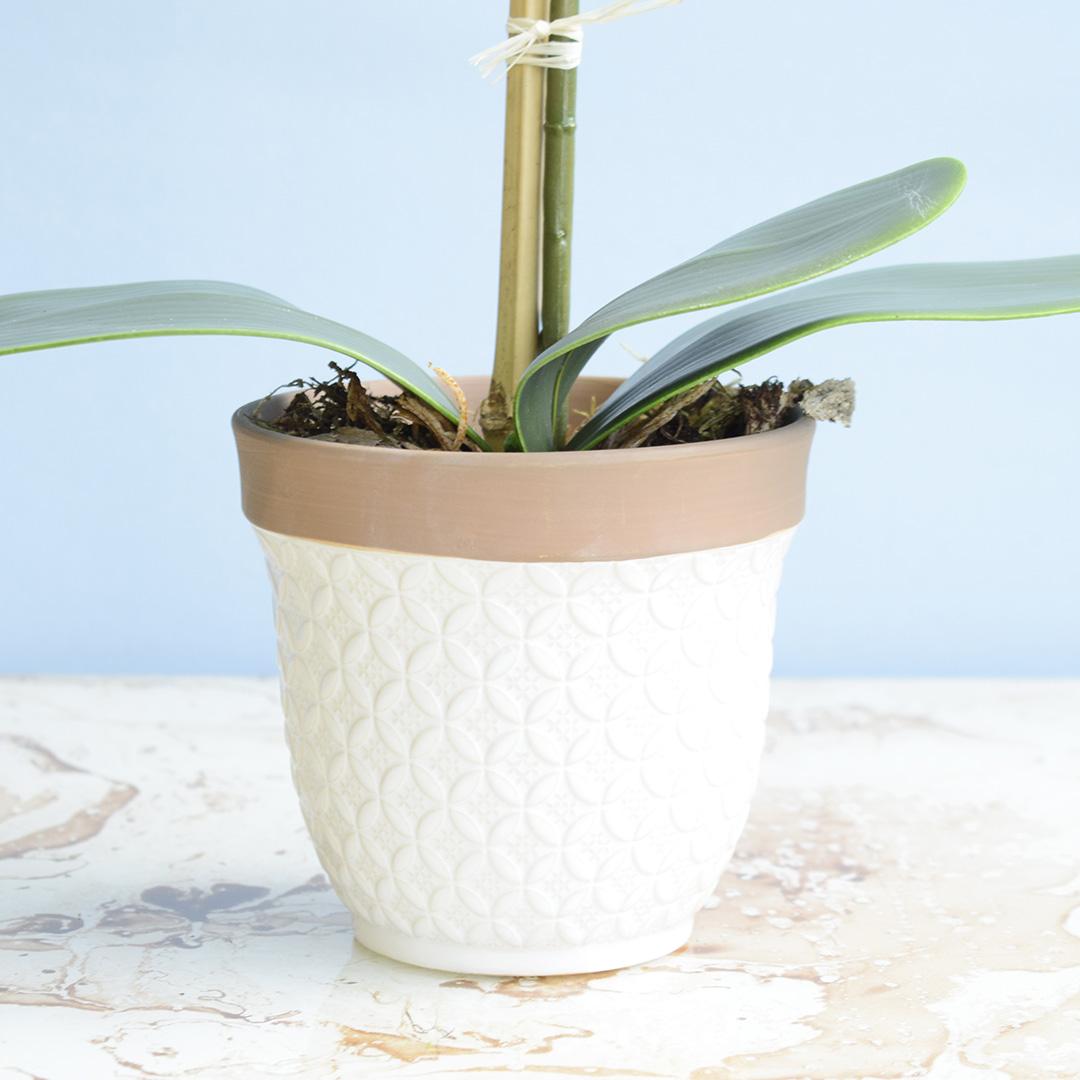 Arranjo de Flor Artificial Orquídea Amarela no Vaso de Cerâmica Branco | Linha Permanente Formosinha
