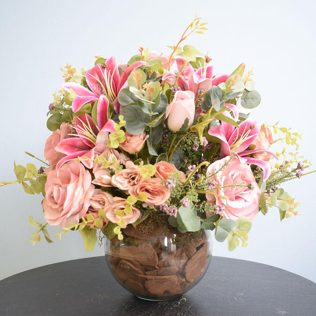 Arranjo de Flores Artificiais Rosas e Lírios Pink Redondo