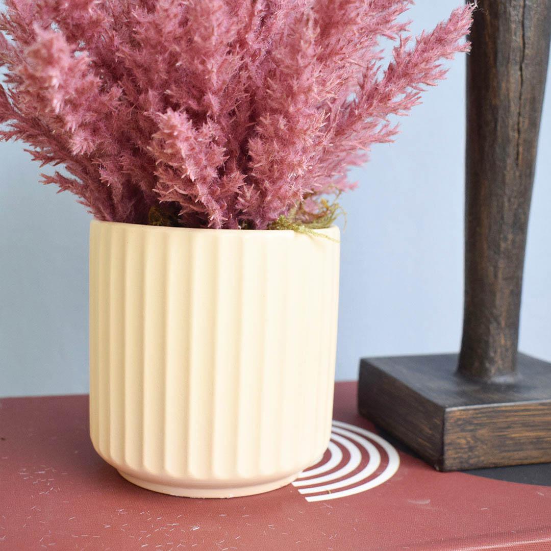 Arranjo de Flores Secas Pink no Vaso Canelado Areia  Linha Permanente Formosinha