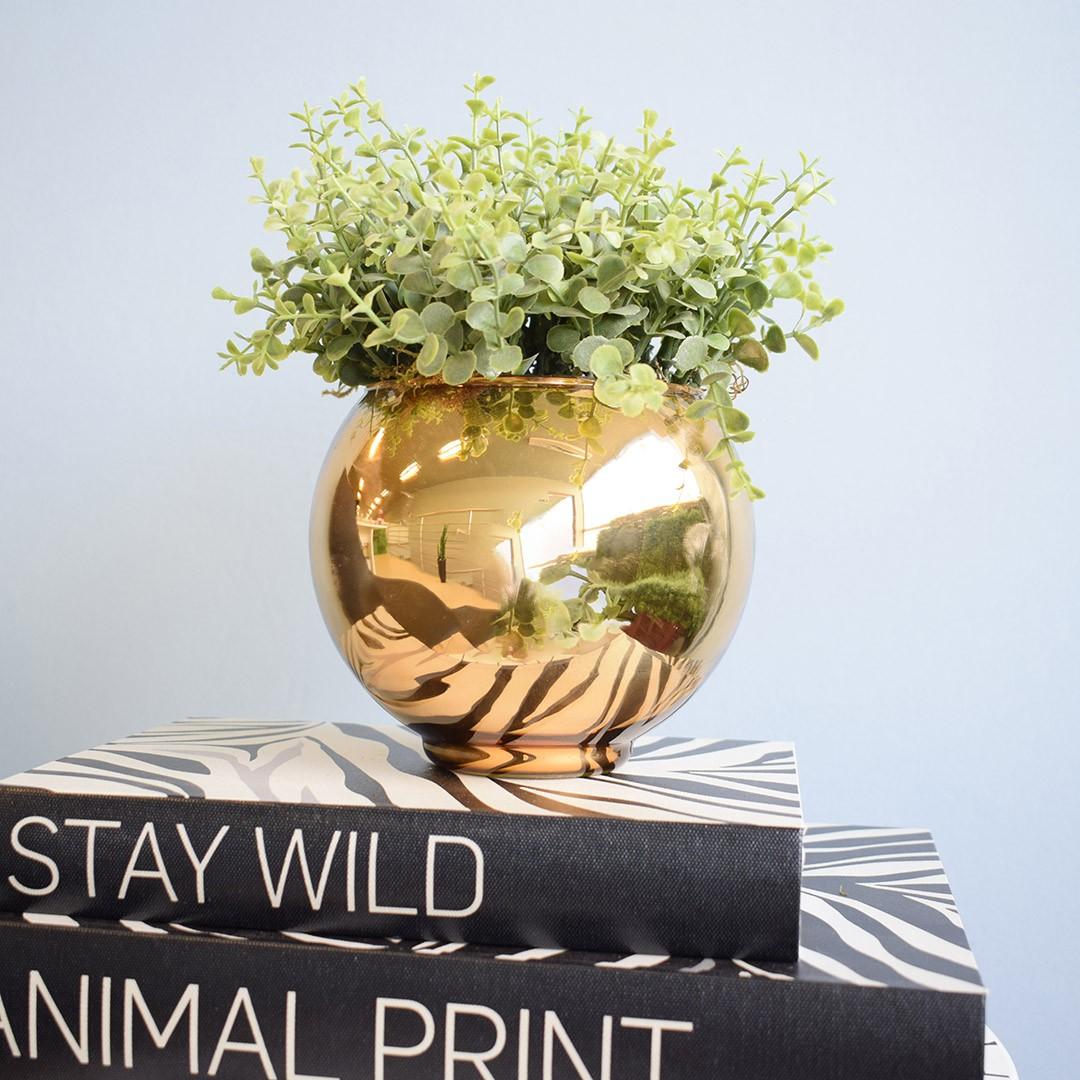Arranjo de Folhagem Artificial no Vaso Dourado Pequeno|Linha Permanente Formosinha
