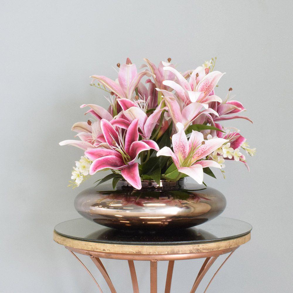 Arranjo de Lírios e Flor do Campo Artificial no Vaso Bronze|Linha permanente Formosinha