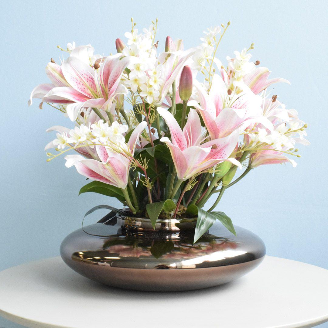 Arranjo de Lírios e Flores de Campo Artificial no Vaso Bronze | Linha permanente Formosinha