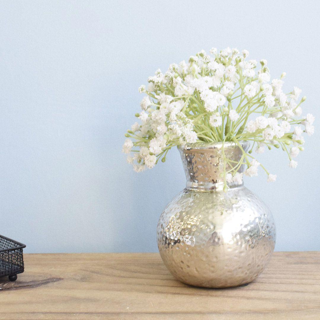 Arranjo De Mosquitinho Branco No Vaso Prateado