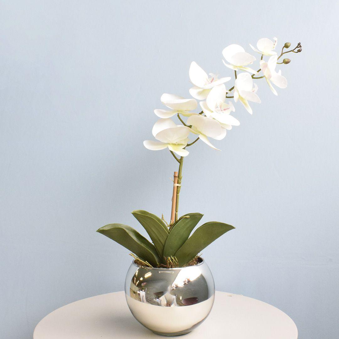 Arranjo de Orquídea Artificial Branca 3D no Vaso Prateado Médio
