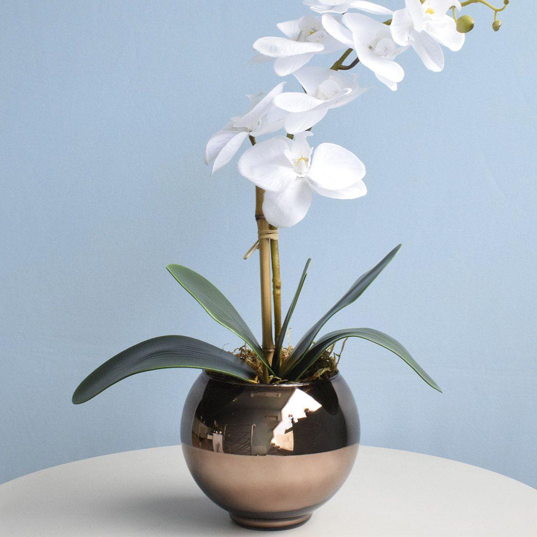 Arranjo de Orquídea Artificial Branca no Vaso Bronze Pequeno | Linha Permanente Formosinha