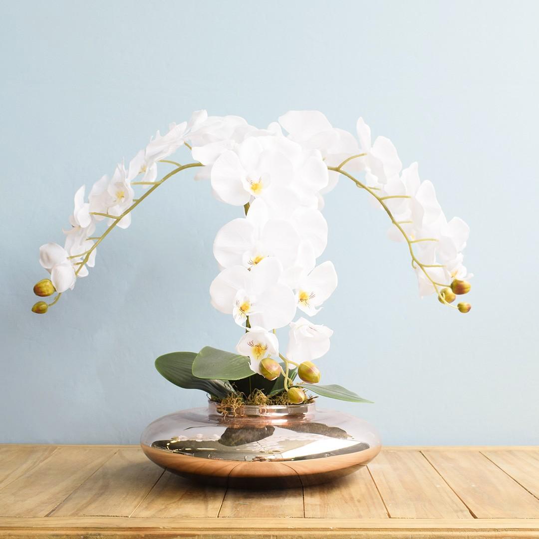 Arranjo de Orquídeas Brancas no Vaso Rose Gold|Linha permanente Formosinha