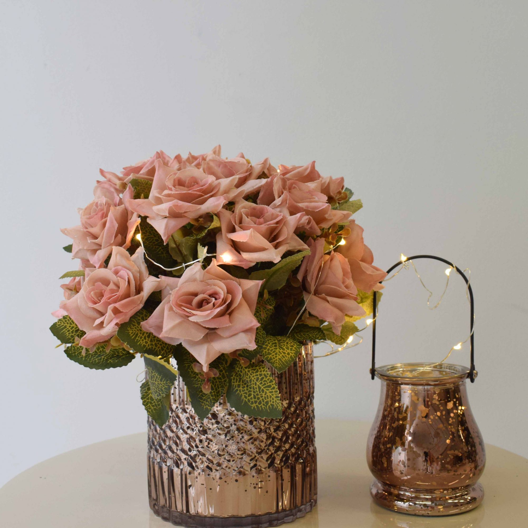 Arranjo de Rosa Diamante Artificial no Vaso Rose Gold